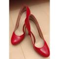 【スタッフ】赤い靴 スタッフ